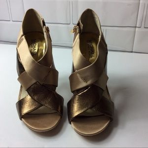 Michael Michael Kors Gold Dress Sandals Size US 7M